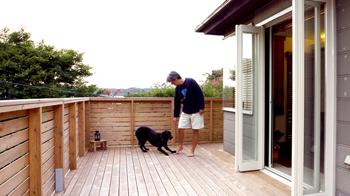 広大なウッドデッキが自慢のアジアンリゾート風のお家です。